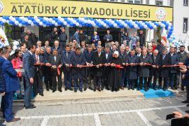 Bakan Selçuk Malatya'da okul açılışına katıldı