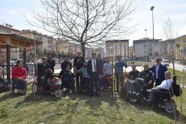 Çobanoğlu'ndan engelli sporculara moral ziyareti