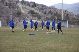 E.Yeni Malatyaspor'da, D.G. Sivasspor mesaisi sürüyor