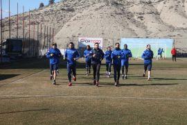 Evkur Yeni Malatyaspor, Başakşehir'e bileniyor