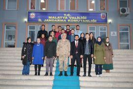 Gençlerden 18 Mart anısına İl Jandarma Komutanlığına ziyaret