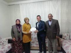 Yazıhan'da genç seçmenlere 'Doğum günü' sürprizi