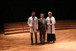 Eczalık Fakültesi'nde önlük giyme töreni gerçekleştirildi