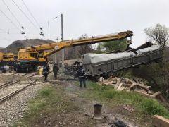 Malatya'da tren kazasındaki enkaz kaldırma çalışmaları sürüyor