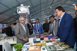 Başkan Gürkan Kitap Fuarını gezdi