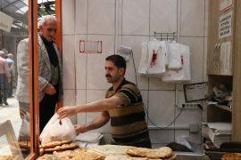 Malatya'da askıda ekmek uygulaması sürüyor