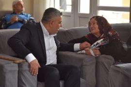 Sadıkoğlu'ndan huzurevi annelerine ziyaret