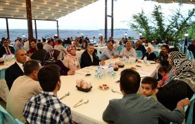 Yeşilyurt'ta şehit aileleri ve gaziler onuruna iftar yemeği