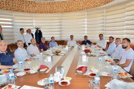 Evkur Yeni Malatyaspor'da spor tesisleriyle ilgili bilgilendirme toplantısı