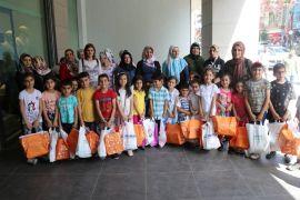 İş adamı İzzet Gören'den çocuklara bayram hediyesi
