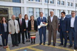 Kamu Baş Denetçisi  Şeref Malkoç'tan MTÜ'ü ye ziyaret