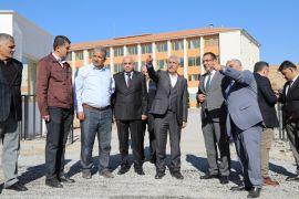 Okul yolu asfaltlandı, Başkan Güder inceleme yaptı