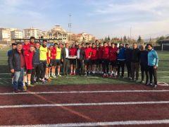 Yeşilyurt Belediyespor'da yönetimden antrenmana ziyaret