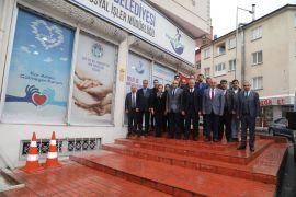 Başkan Güder,  Hayır Çarşısı'nda incelemelerde bulundu