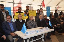 Doğu Türkistan için imza kampanyası düzenlendi