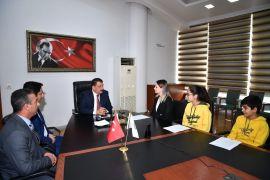 Gürkan öğrencilere röportaj verdi