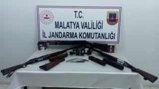 Jandarmadan silah kaçakçılarına eş zamanlı operasyon: 2 gözaltı