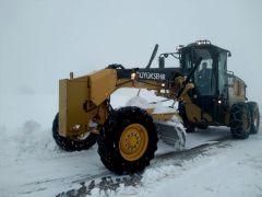 Kar nedeniyle kapanan 200 mahallenin yolu yeniden ulaşıma açıldı