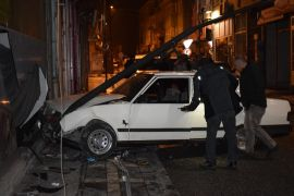 Malatya'da alkollü sürücü işyerine daldı