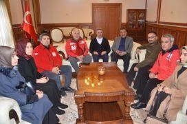 Kızılay Genel Başkanı Kınık, Vali Baruş'u ziyaret etti