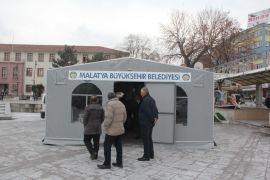 Malatya'da deprem başvuru çadırı açıldı