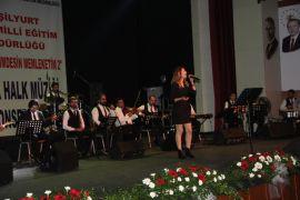 Öğretmenler Korosu konseri ilgi gördü