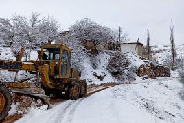 Pütürge'de karla mücadele sürüyor