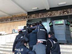 Suç örgütü operasyonunda yakalanan 11 kişi tutuklandı
