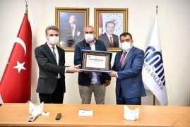 Maske üreten tekstil firmalarına teşekkür belgesi