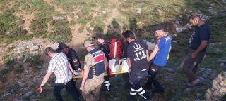 Kayalıklardan düşen vatandaş için ekipler seferber oldu