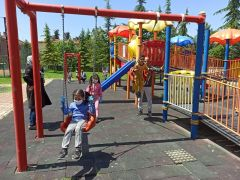 Malatya'da 4 saatlik izinde çocuklar parklara koştu