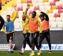 Yeni Malatyaspor yurt dışındaki futbolcularını bekliyor