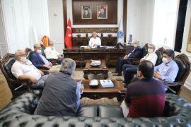 Başkan Güder,  yatırımları muhtarlara anlattı