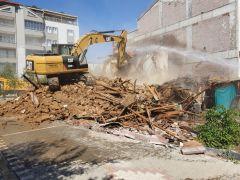 Yeşilyurt metruk evlerden arındırılıyor