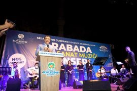 Arabada Türk sanat müziği konseri