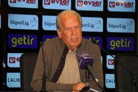 """Mustafa Denizli: """"Moralli bir ekibe karşı sahaya çıktık"""""""